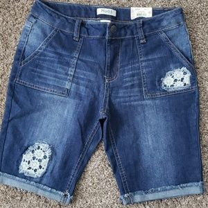 Girls size 16 mudd Bermuda shorts new with tags